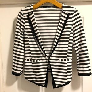 Maurices Jackets & Coats - 🔥Maurice's jacket